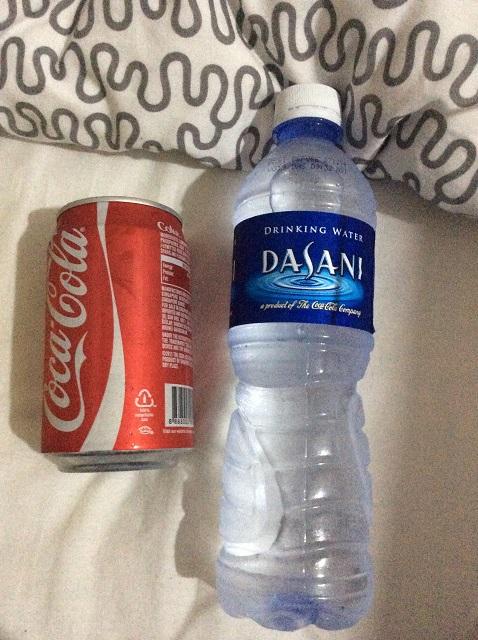 水とコーラ