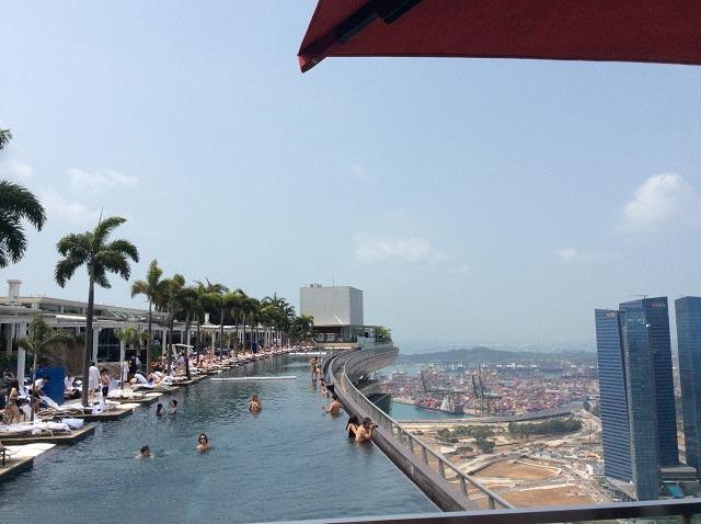 シンガポールマリーナベイサンズ最上階空中庭園