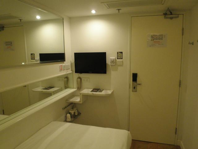 HOTELMINICENTRAL部屋2